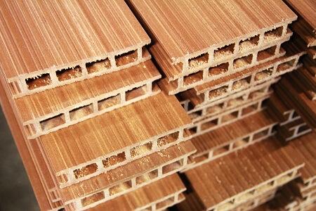 SOUBOJ: Dřevěná terasa proti terase z kompozitního materiálu
